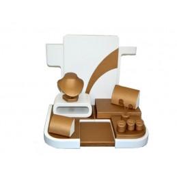 Vetrina ''Bronze'' in legno laccato bianco e finta pelle bronzo