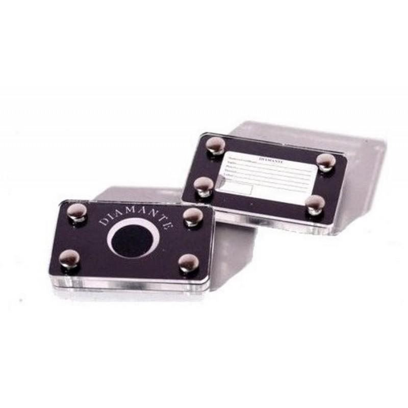 Blister piccolo con rivetti per diamanti 65x40h10 mm