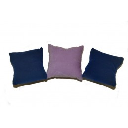 Stock of 5 cushions for...
