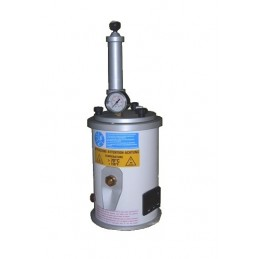Wax injector with manual pump
